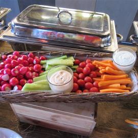 Panier de légumes croquants et son anchoiade